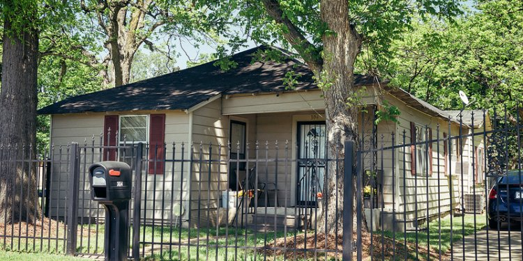 Ike Turner House (1930), 304 Washington Ave, view02, Riverton, Clarksdale, MS, USA