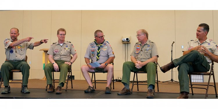 Boy-scout-leaders