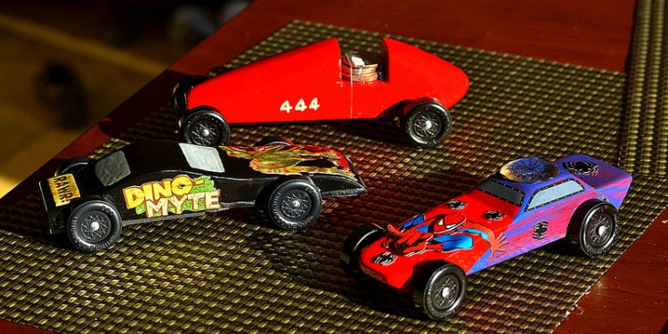 Boy Scouts California Pinewood Derby cars